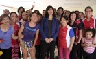 MINISTRA Y MUJERES TALLER MUJER Y DEPORTES