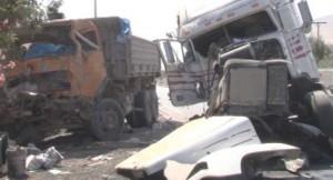 Choque de dos camiones deja un muerto y seis heridos en Azapa
