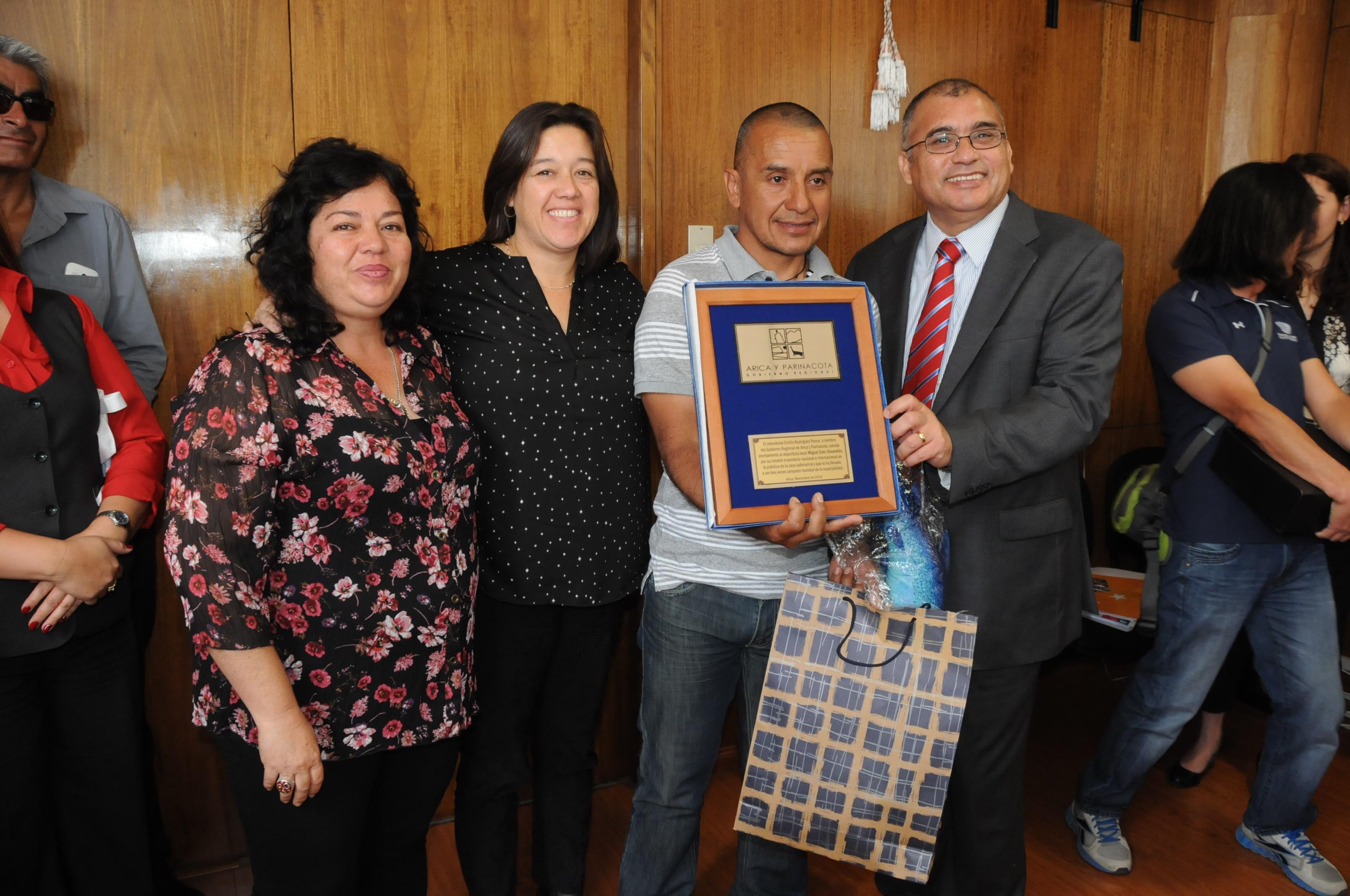 Tras Obtener el Quinto Lugar en Mundial de Caza Submarina,  Entregan Reconocimiento a Miguel Soto Ossandón