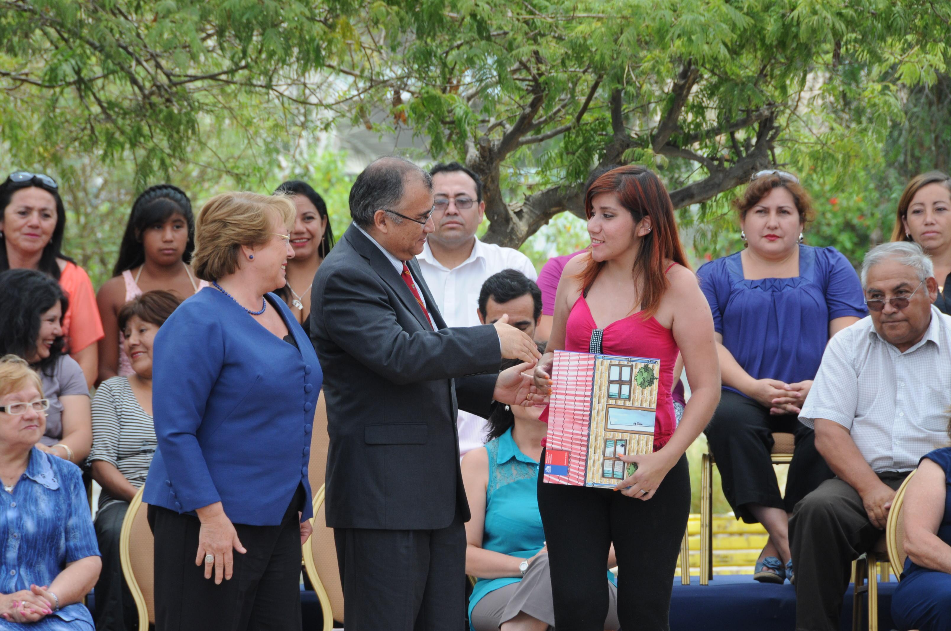 Presidenta Bachelet Entregó 231 subsidios Habitacionales  y Reiteró  Compromiso de 196 Mil Millones en Inversión para Viviendas en la región