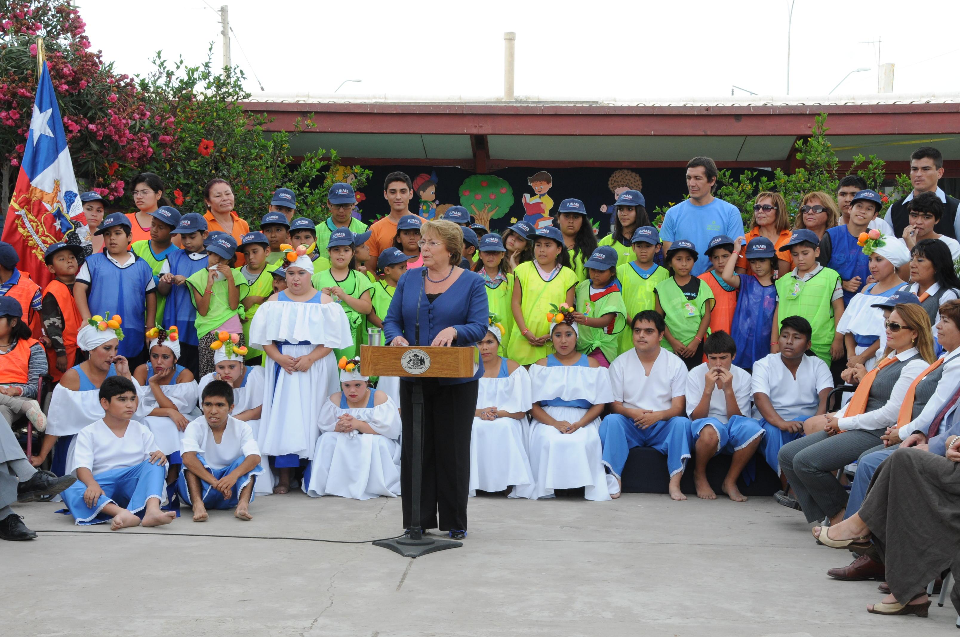 Con 1300 niños Beneficiados en la Región Presidenta Michelle Bachelet   dio el vamos a las Escuelas Abiertas Junaeb 2015