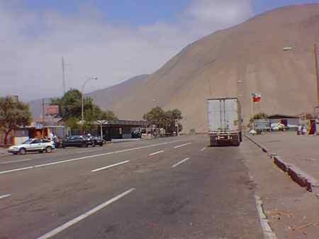 Chofer Boliviano le Ofreció Dinero a Carabinero para  Evitar un Parte : Fue Arrestado por ohecho