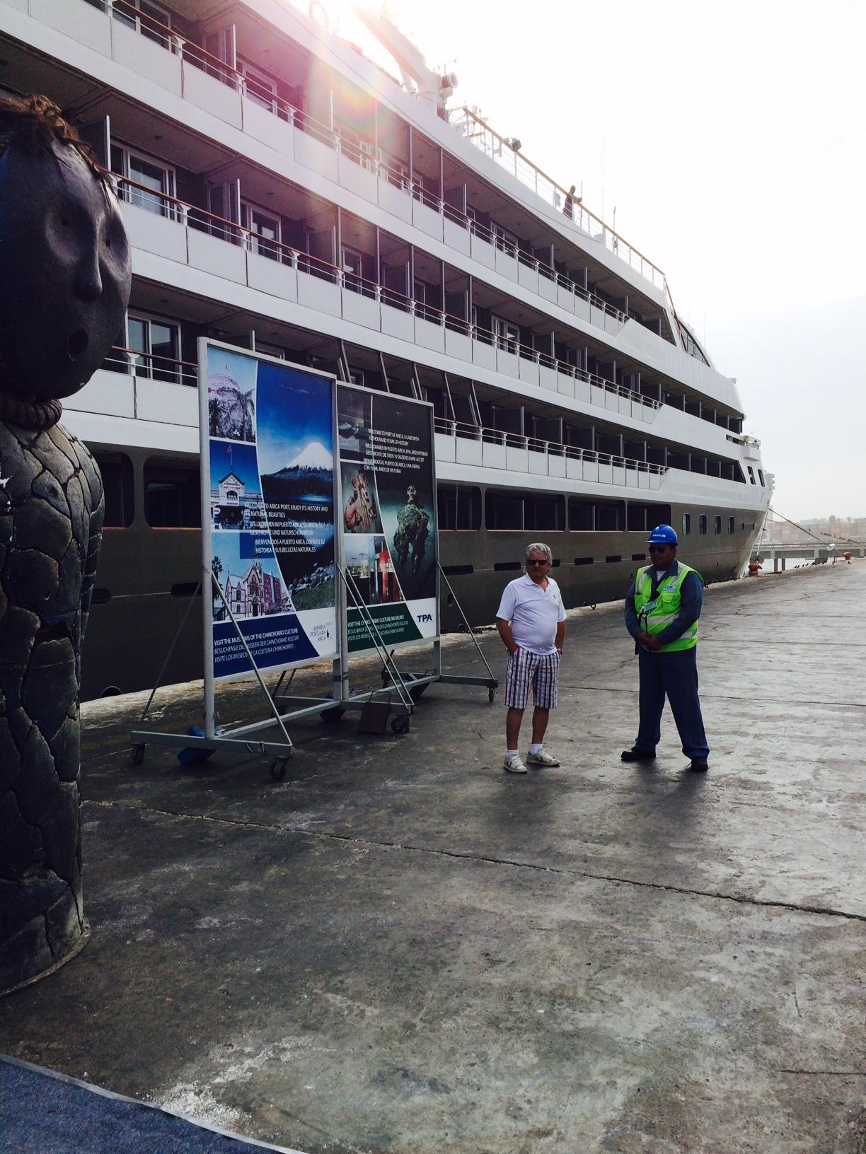 Crucero Le Boreal Arriba a la ciudad con 200 turistas franceses a Bordo