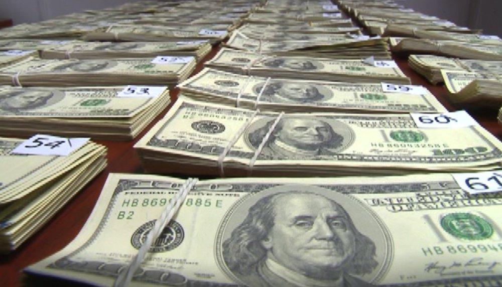 Aduanas Descubre 347 mil 700 Dólares Falsos