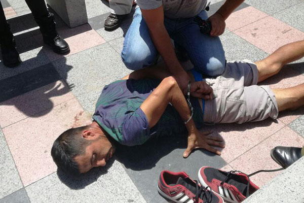 detenido por ciudadanos tras robar celular arica (1)