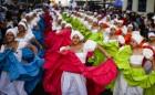"""Bailarinas Afros de la comparsa """"Oro Negro"""", durante la segunda jornada del Carnaval """"Con la Fuerza del Sol"""". Arica, 12/02/2017"""